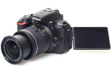 دوربین دیجیتال نیکون مدل D5600 به همراه لنز 18-55 میلیمتر VR AF-P